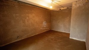 Полусухая стяжка пола в гараже: пример выполненных работ 1