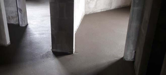 Стяжка пола в доме 90 м²