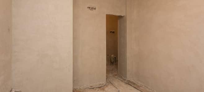 Штукатурка стен и стяжка пола в квартире 42 м²